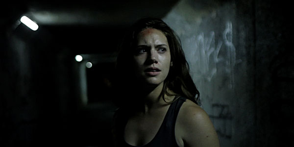 Review Absentia